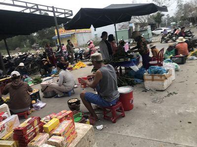 Chuyển nhượng kiot chợ đêm làng đại học điện ngọc