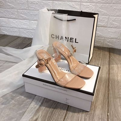 Sandal cao gót trong