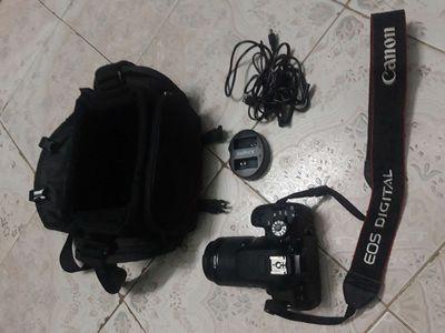 Canon 700D, ít dùng, mới 99%(như hình),t.trạng tốt