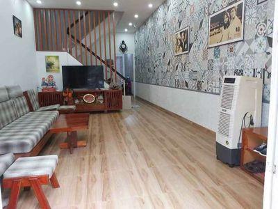 Nhà 1 Trệt 2 Lầu đường Nguyễn Ái Quốc, PTrung Dũng