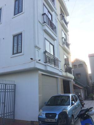 Nhà Bát Khối DT 30m2 x 4 tầng, ô tô đỗ cửa. 1.82tỷ