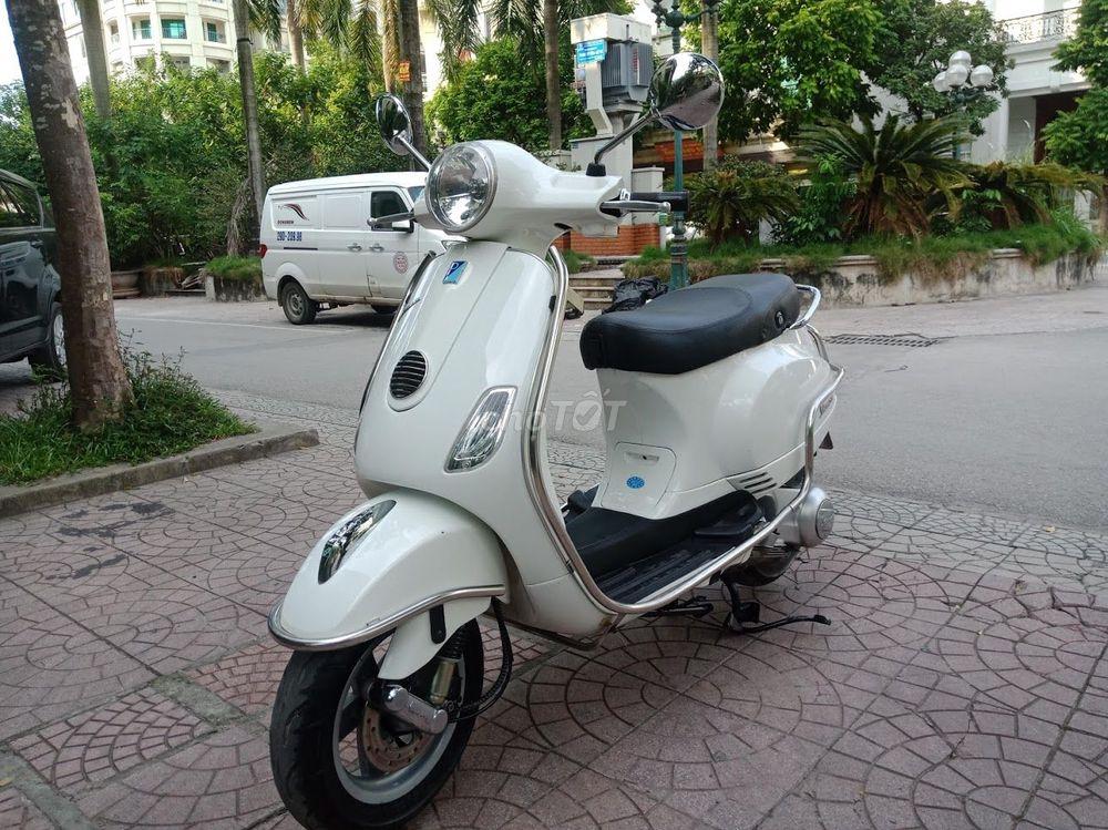 Piaggio Vespa LX 125 3vie màu trắng biển HN