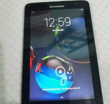 MT Bảng Lenovo A5500-HV đen hỗ trợ Wifi, 3G,