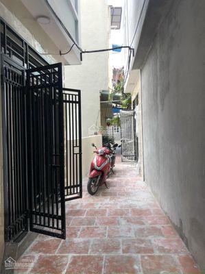 Nhà ở Đông La.Cách KĐT Đô Nghĩa 500m. Giá 1.1 Tỷ
