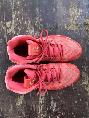 Nike Kyrie hồng size 39
