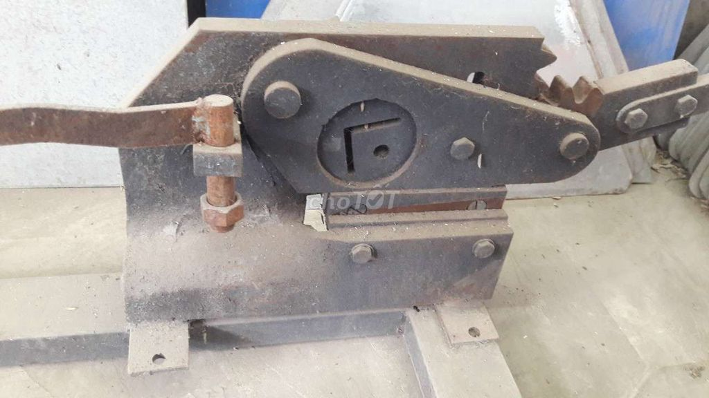 0941916144 - Máy cắt sắt V. Sắt La. Tole.