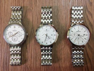 Đồng hồ nam thời trang sale đồng giá 299k.