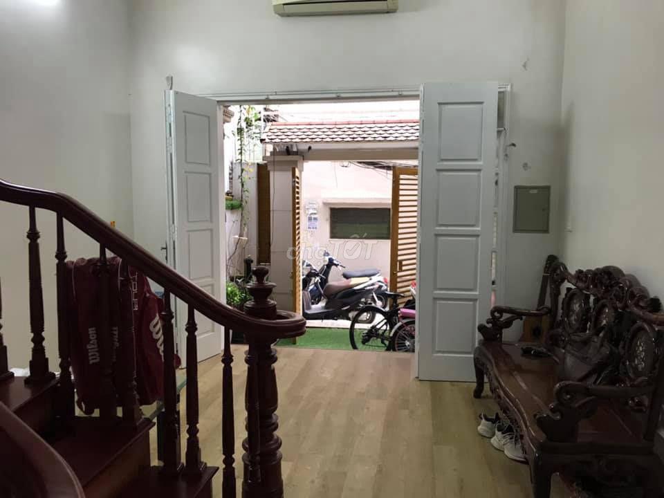 Bán nhà ở Thịnh Quang, 62m2, 5 tầng, mặt tiền 4.2m