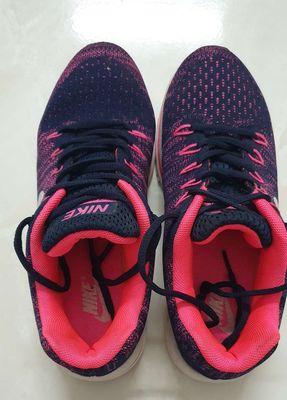Giày thể thao nữ Nike size 37