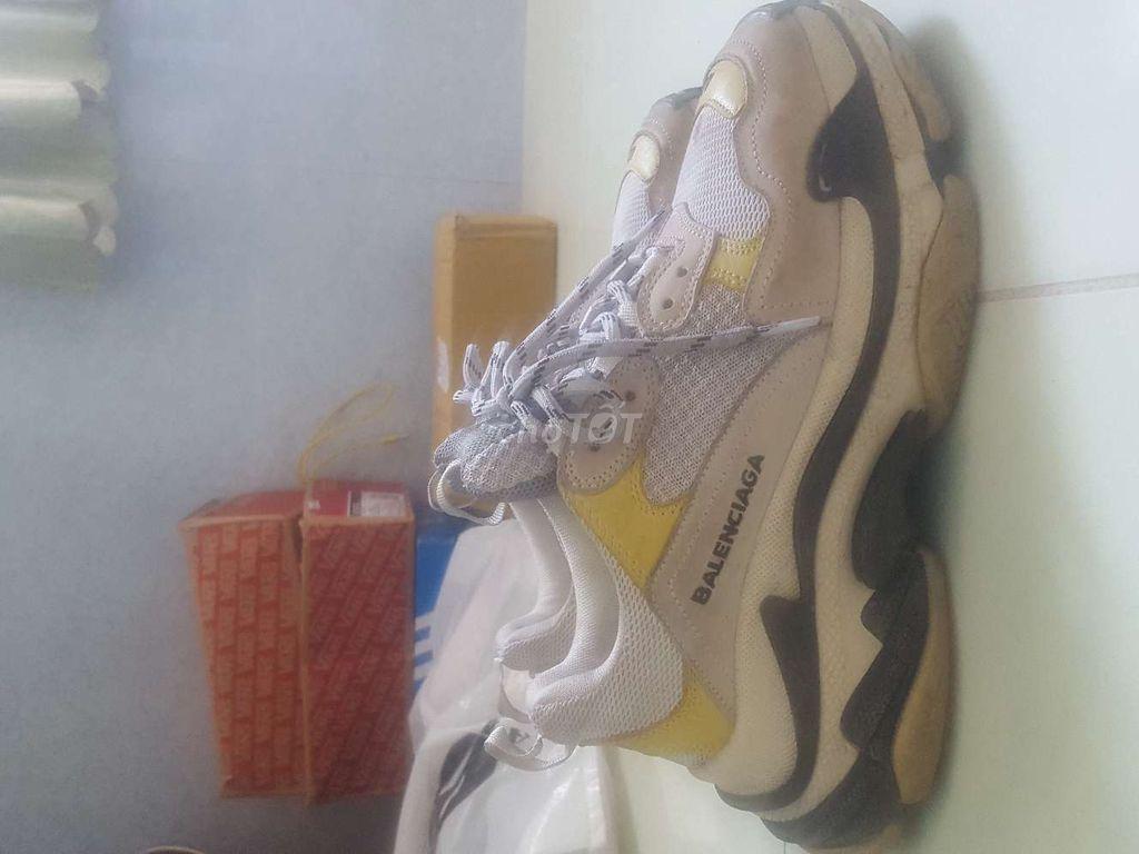 Giày dư không dùng