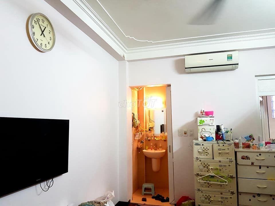 Bán nhà Hoàn Kiếm 33M, Ô tô đỗ cửa, 5 Tầng, 5.6 ty