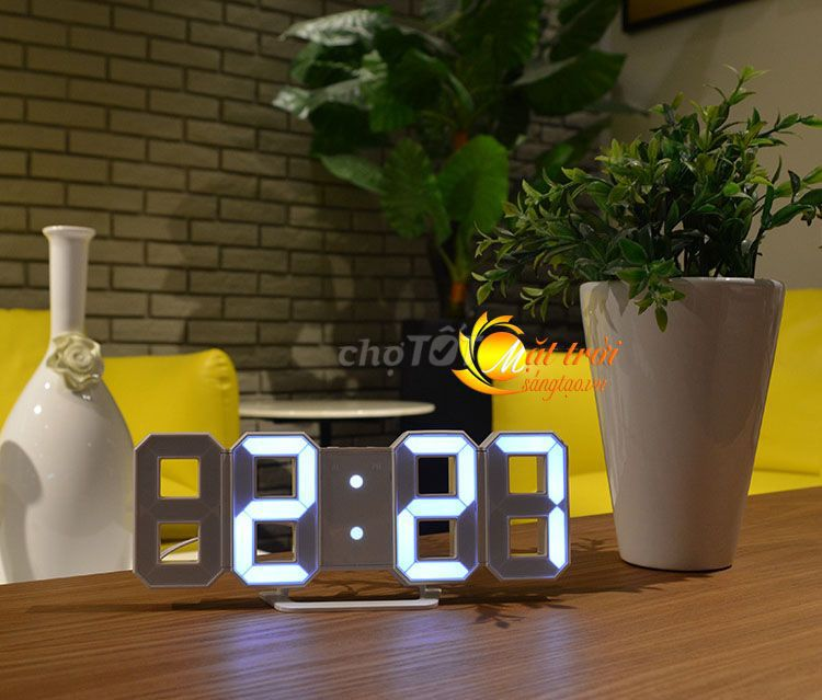 Pass lại đồng hồ led để bàn