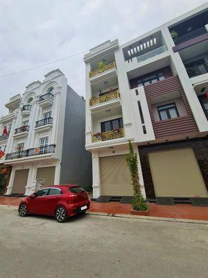 Nhà xây 4 tầng độc lập đường 15m khu Lê Hồng Phong