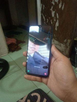 Samsung M20 bể màn, ngoại hình đẹp, fix 100k