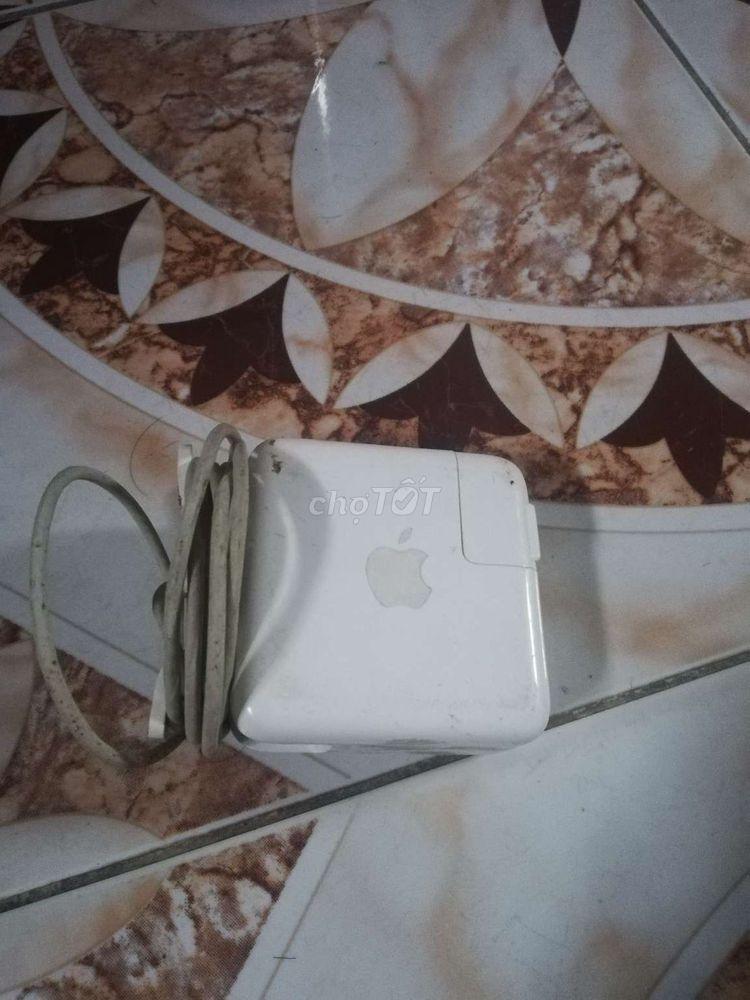 Mất máy cần bán sạc Macbook nguyên rin
