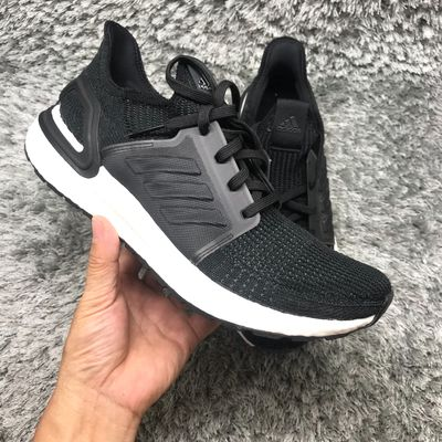 Giày thể thao nam Ultra boost 19 Black size 9 US