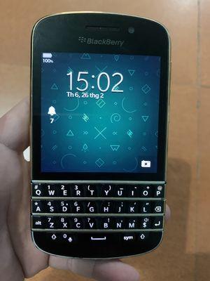 Cần bán điện thoại blackberry q10 pk đầy đủ