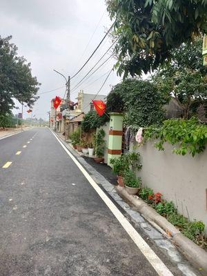 Cần tiền bán gấp 40m2 bìa làng Lương Nỗ-Tiên Dương