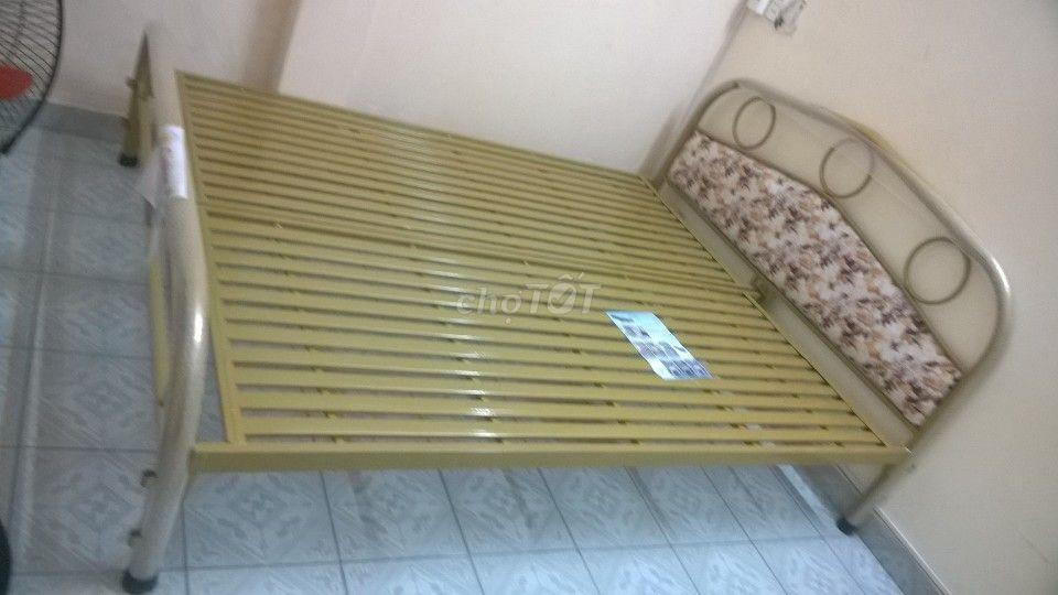 giường sắt mẫu mới, tháo ráp sơn tĩnh điện_MPVC