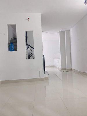 Nhà đẹp HXH Lạc Long Quân, 42 m2- 2 tầng. 4.1 tỷ