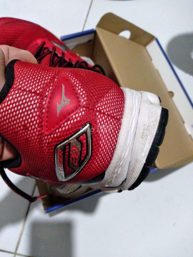 0907508236 - Giày thể thao Mizuno size 39