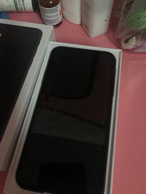 Iphone 11 - 256g full Box còn BH