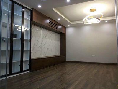 Nhà phố Nguyễn Sơn 51m2 lô góc , oto vào nhà