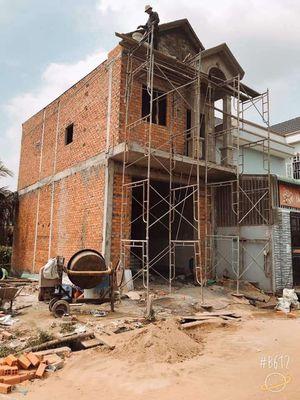 Nhà sắp hoàn thiện mặt tiền đường thông buôn bán