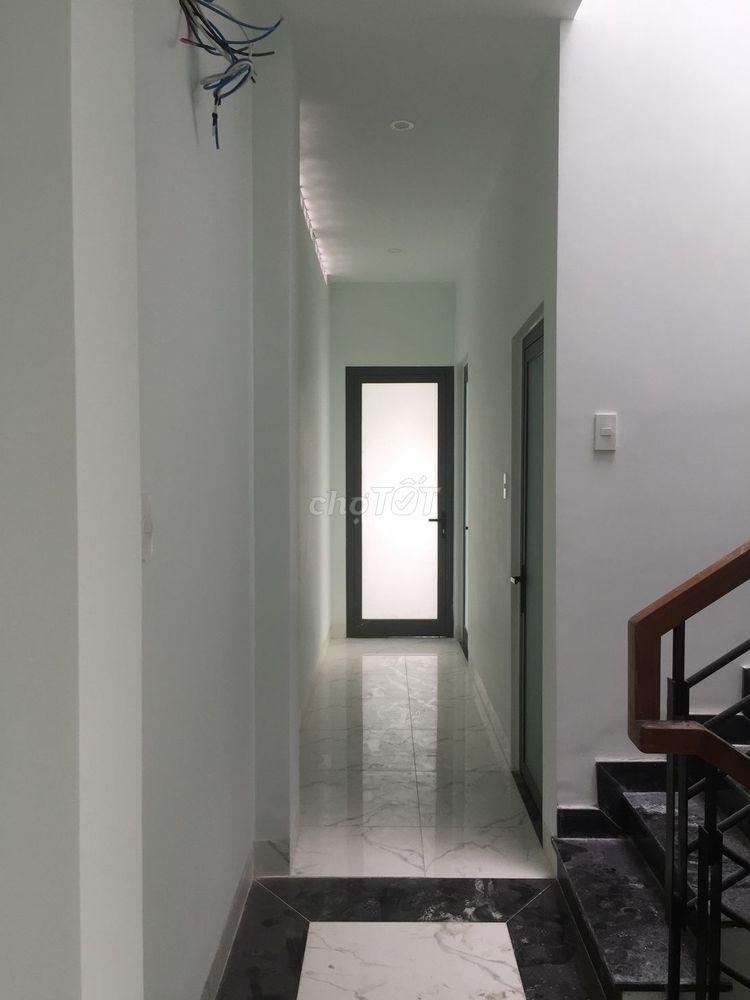 Phòng mới xây thoáng mát đường Bạch Đằng, BT