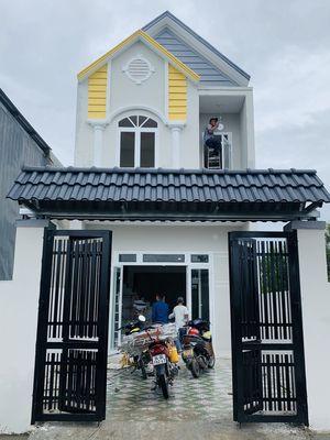 Cần bán nhà mới xây sổ riêng thổ cư 100%