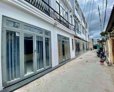 Nhà lầu mới - hẻm tổ 3 - cách Hồ Bún Xáng 100m