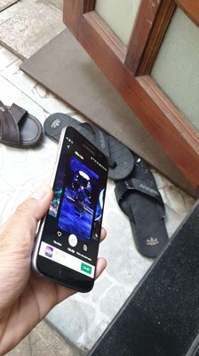 Samsung Galaxy S7 Đen 64gb nhỏ gọn