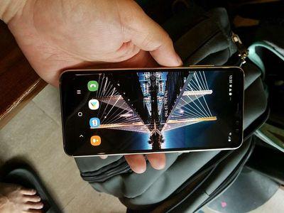 Samsung Galaxy A8 2018 ram 4G camera kép seo phi
