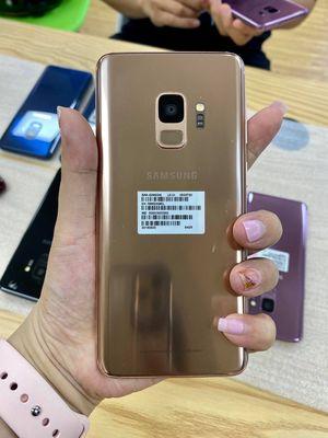 Samsung Galaxy S9 64 GB Vàng 2 sim likenew 99%