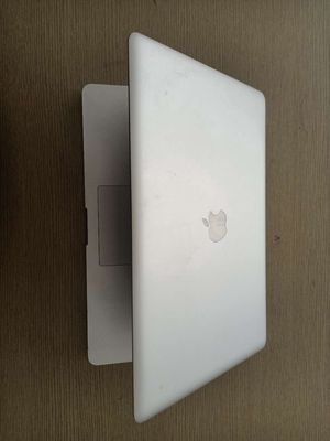 Apple Macbook Pro 2011 core i7 vga amd