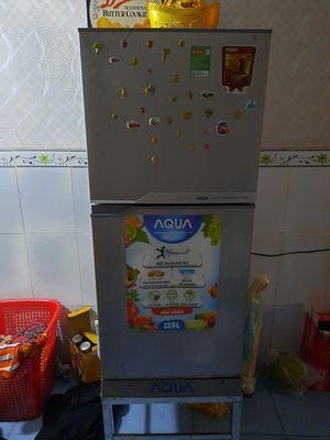 Tủ lạnh AQUA 123l mới không đóng tuyết , tiết kiệm