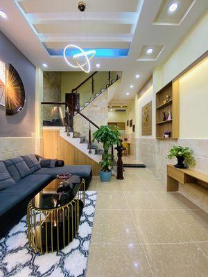 Nhà đẹp giá rẻ gần mặt tiền full nội thất ở liền