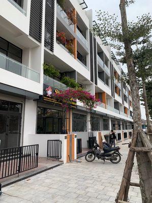 Nhà mặt phố quận Long Biên