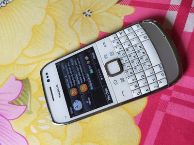 Bán Nokia e6 zin đẹp sưu tầm