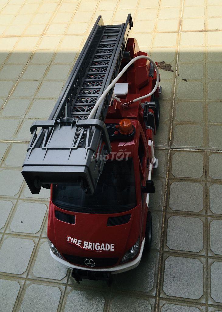 0979766499 - Thanh lý xe cứu hỏa Bruder