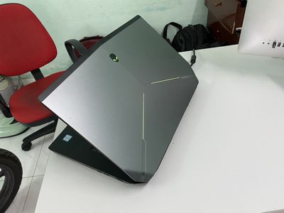 Dell Alienware 15R2 xịn xò i7-6700HQ-8-256-GTX970M