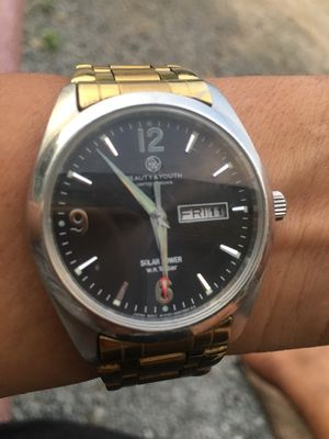 Đồng hồ nam pin sola