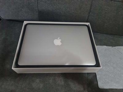Apple Macbook Air 2017 99% ssd128gb