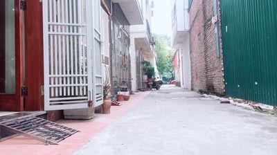 Chính chủ bán nhà 31m2*5T Việt Hưng, ô tô đỗ cửa