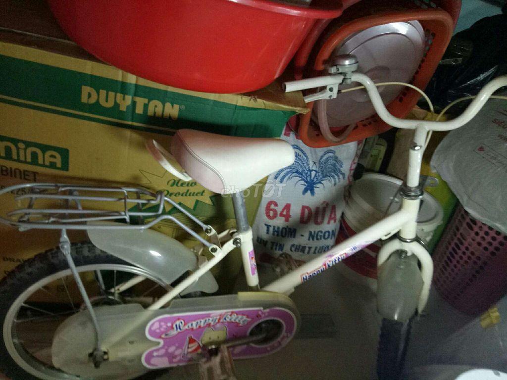 xe đạp trẻ em xe chạy rất nhẹ xe chắc cứng cáp
