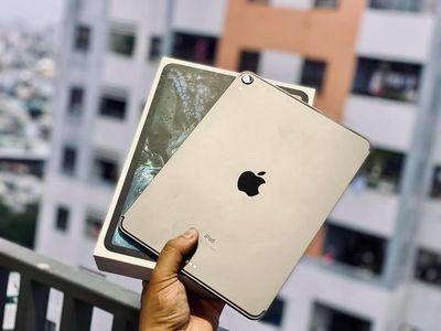 Apple iPad Pro 11 inch 2018 like new