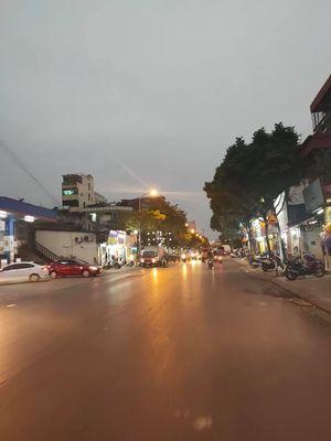 Sài Đồng  95m2 - Mt 7m - Lô góc - 4 Tầng - Vỉa hè.