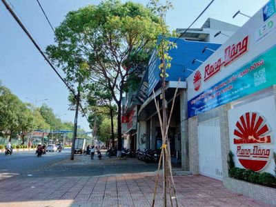 Bán đất mặt tiền Nguyễn Tất Thành đối diện Bitis