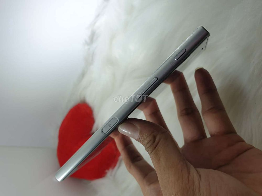 Sony Xperia XZ. Ram 3gb. Rom 32gb