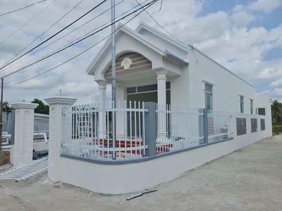 Nhà mới xây gần cfe Làng Văn. Sổ sẵn,thổ cư 100%